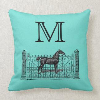 Cualquie fondo del color - Equestrian del monogram Cojín
