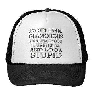 Cualquier chica puede ser atractivo todavía coloca gorras