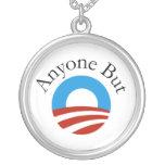 Cualquier persona pero Obama w/Logo Colgante