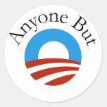 Cualquier persona pero Obama w/Logo Pegatina Redonda