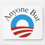 Cualquier persona pero Obama w/Logo Tapete De Ratón