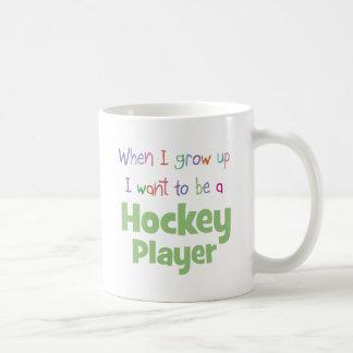 Cuando crezco al jugador de hockey taza básica blanca