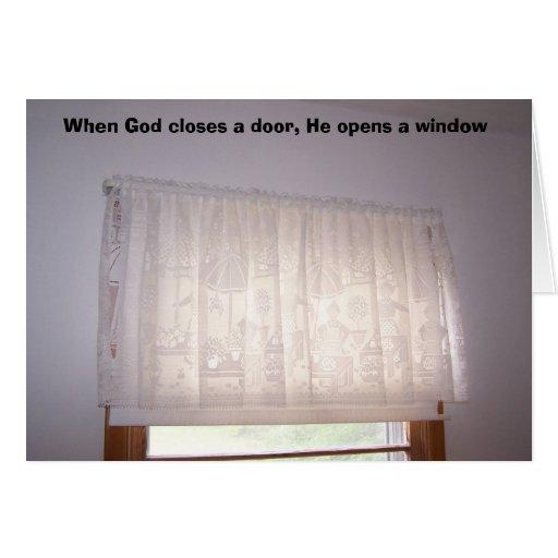 Cuando dios cierra una puerta, él abre los wi… tarjeta de felicitación