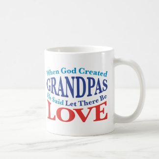 Cuando dios creó a abuelos taza básica blanca