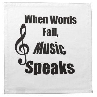 Cuando la música del fall de las palabras habla la servilleta de papel