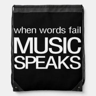 Cuando la música del fall de las palabras habla mochila