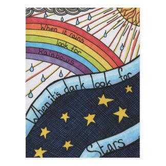 Cuando llueve busque los arco iris postales