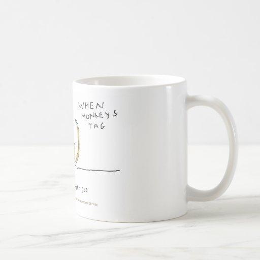 Cuando los monos marcan con etiqueta taza de café