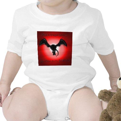 ¡Cuando sonríe un dragón, usted sabe que usted es  Camisetas