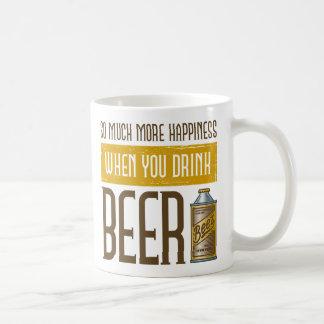 Cuando usted bebe la cerveza tazas de café