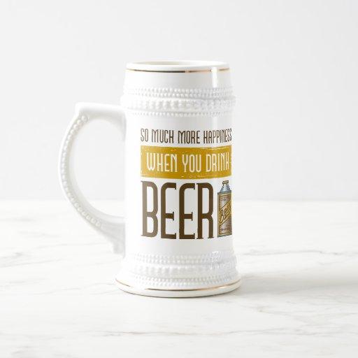 Cuando usted bebe la cerveza tazas
