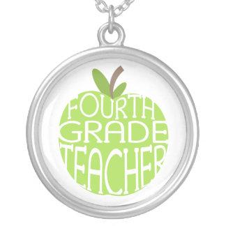 Cuarto collar del profesor del grado