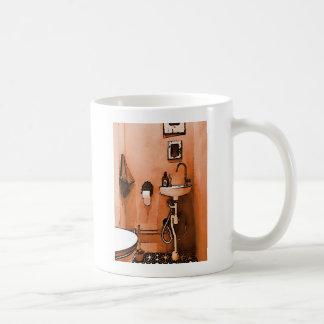 Cuarto de baño amelocotonado enrrollado taza clásica