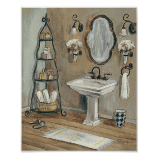 Cuarto de baño francés con el espejo y el póster