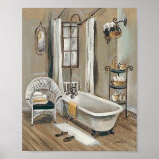 Cuarto de baño francés con la bañera impresiones