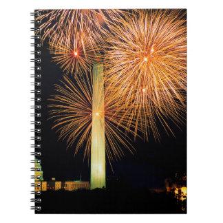 Cuarto de julio, exhibición del fuego artificial,  cuaderno