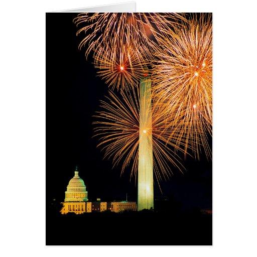 Cuarto de julio, exhibición del fuego artificial,  tarjetón