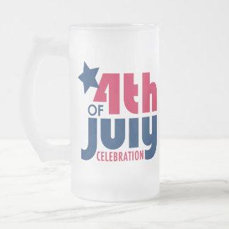 Cuarto de la taza de la celebración de julio