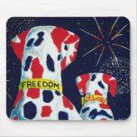 Cuarto de los Dalmatians de la libertad y de la li Alfombrilla De Ratones
