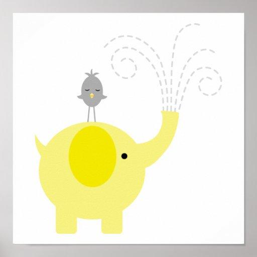 Cuarto de niños amarillo y gris del elefante y del posters
