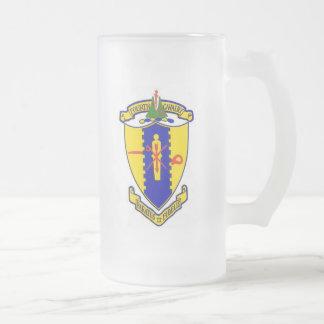 Cuarto escudo de la caballería taza