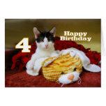 Cuarto gatito del cumpleaños con el tigre del tarjeta de felicitación