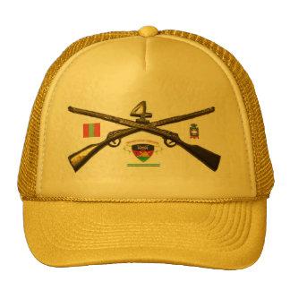 Cuartos rifles de la cruz del regimiento de infant gorro