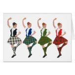 Cuatro bailarines escoceses de la montaña felicitacion