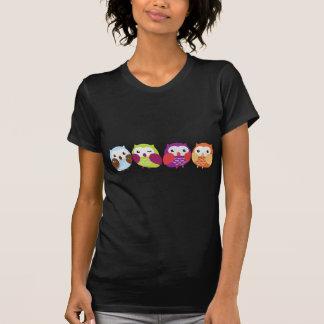 Cuatro búhos coloridos poleras