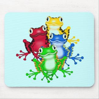 Cuatro camisetas y regalos de las ranas alfombrillas de raton