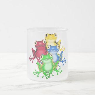 Cuatro camisetas y regalos de las ranas taza de cristal