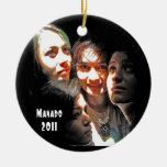 Cuatro chicas en Manado Adorno De Navidad