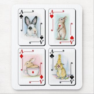 Cuatro de una clase alfombrillas de raton