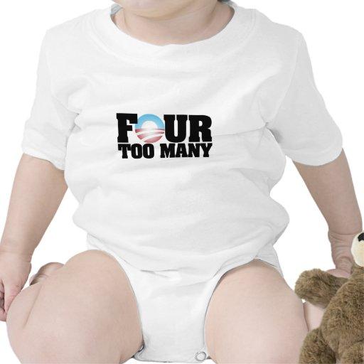 cuatro demasiados trajes de bebé
