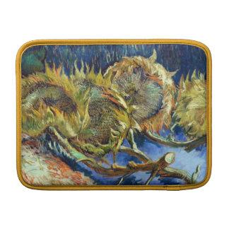 Cuatro girasoles cortados de Van Gogh Fundas MacBook