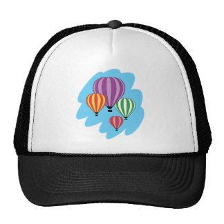 Cuatro globos coloridos del aire caliente gorros bordados