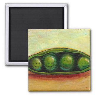 Cuatro guisantes en un arte original único de la d imán cuadrado