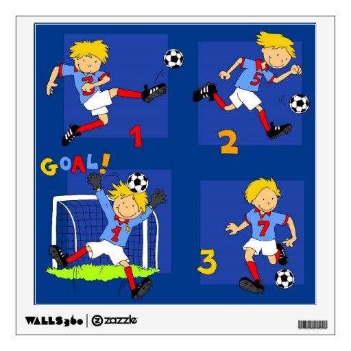 Cuatro muchachos que juegan a fútbol vinilo adhesivo