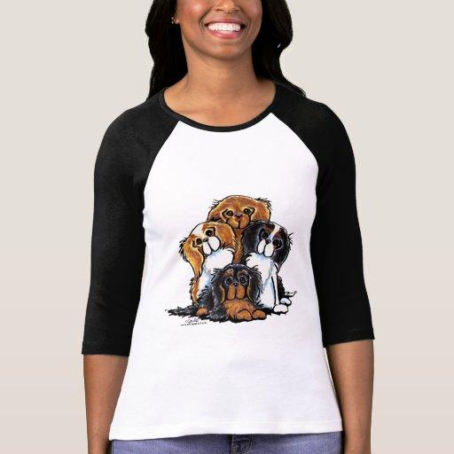 Cuatro perros de aguas de rey Charles arrogantes Camiseta