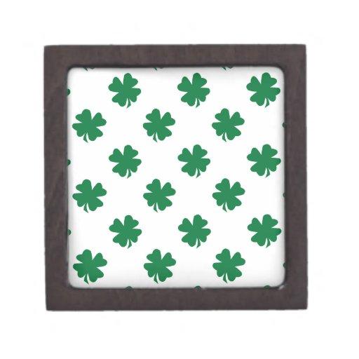 Cuatro tréboles de la hoja en verde cajas de regalo de calidad