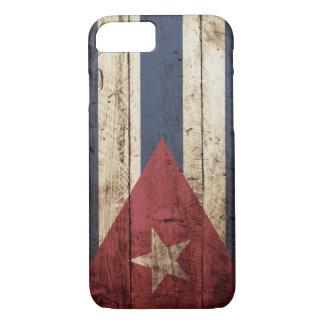 Cuba Flag on Old Wood Grain iPhone 8/7 Case