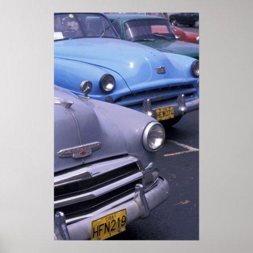 Cuba, La Habana. Automóviles clásicos de los años  Póster
