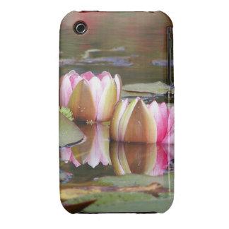 Cubierta de Iphone del jardín de Lillies del agua iPhone 3 Cárcasas
