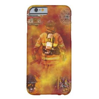 Cubierta del iPhone 6 del bombero Funda De iPhone 6 Barely There