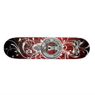 Cubierta del monopatín de MacLean del clan Skate Boards