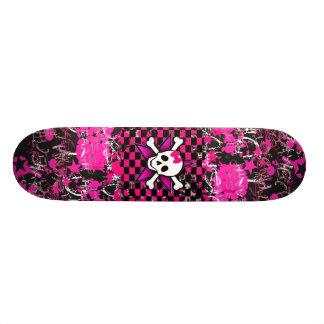 Cubierta del monopatín del chica de la escena skate board