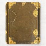 Cubierta del oro y de libro viejo alfombrilla de ratón
