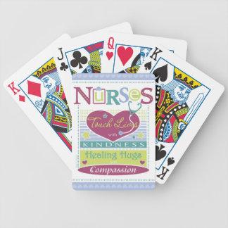Cubierta inspirada de las enfermeras de naipes barajas de cartas