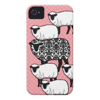 Cubierta negra del iPhone 4 de las ovejas del dama iPhone 4 Protectores