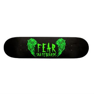 Cubierta negra del monopatín del miedo con verde patinetas personalizadas